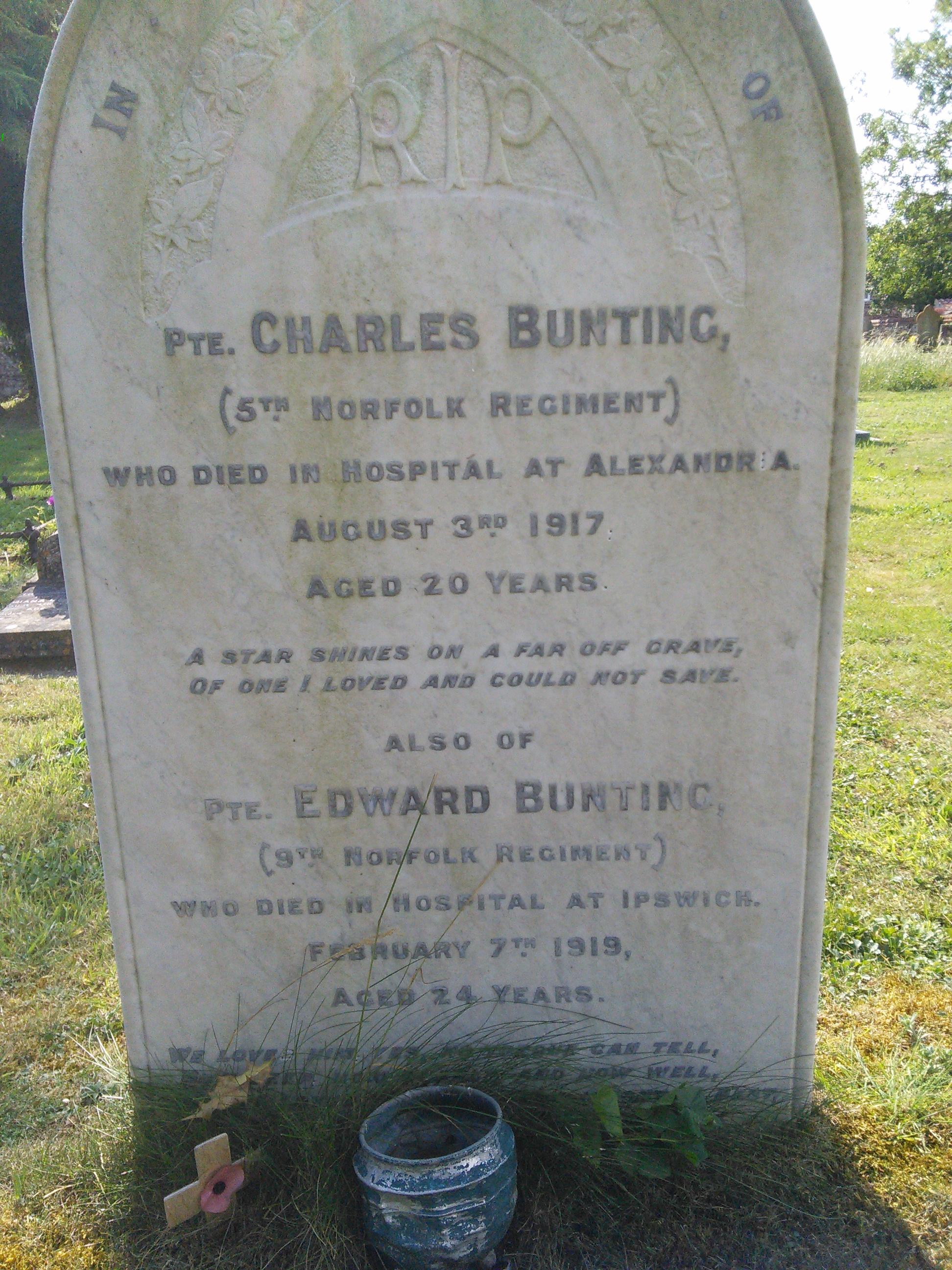 Grimston(St Botolphs)Churchyard.