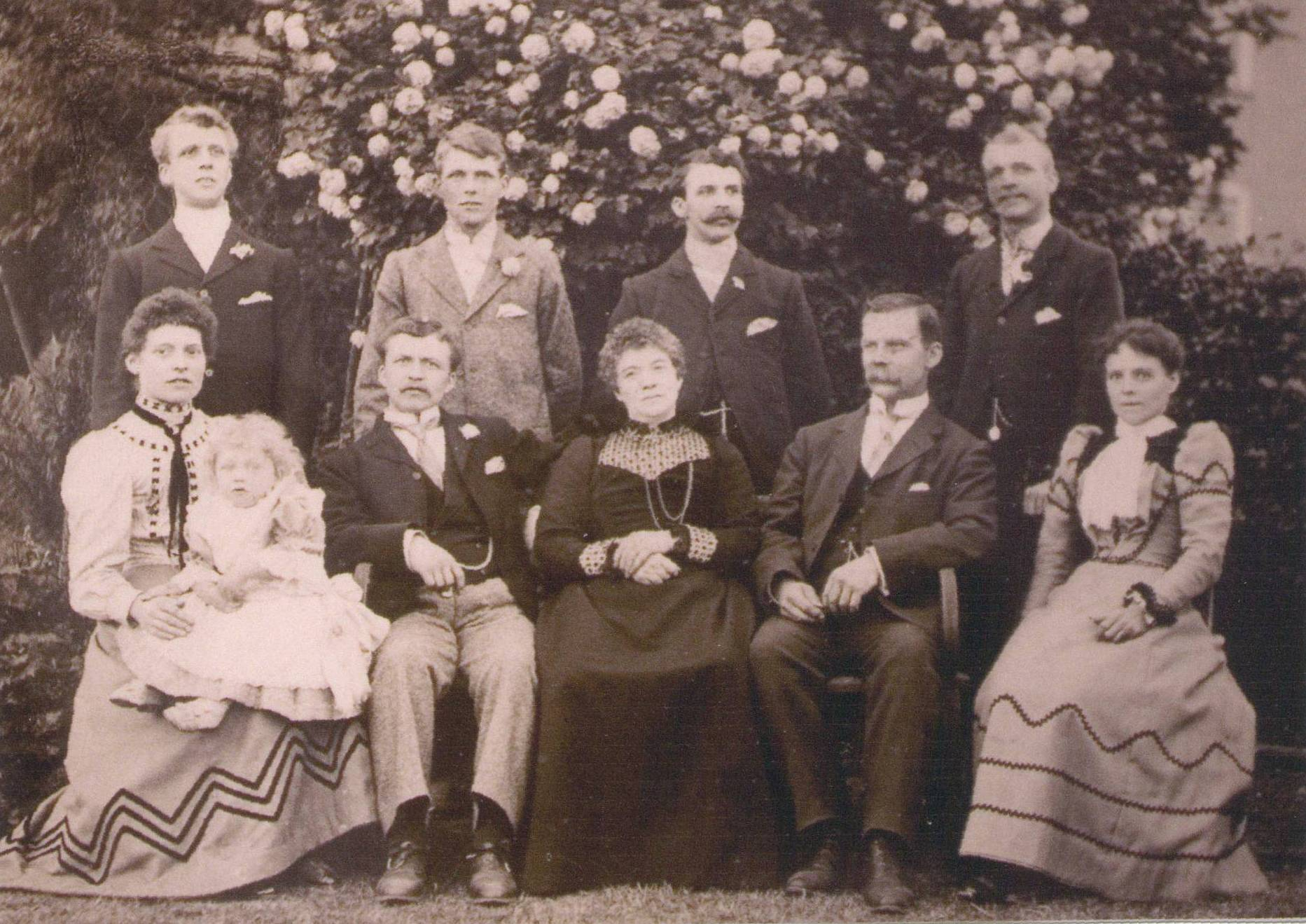 09/07/1899. Frank standing 2nd left. With parents and brothers, at christening of nephew George