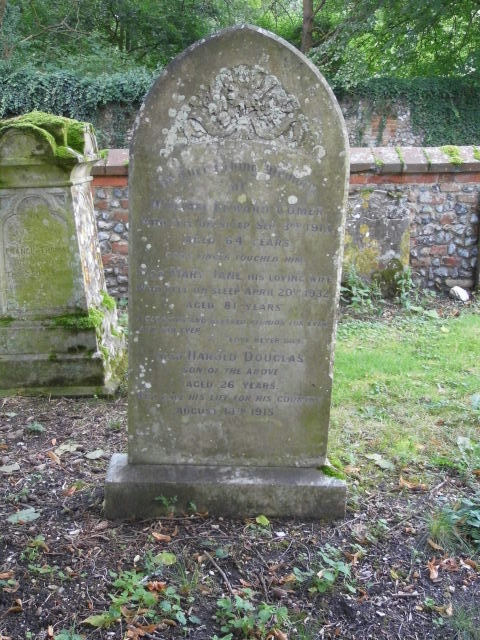 Gravestone of William Edward & Mary Jane Comer that also commemorates Harold Comer. At St Andrew's.